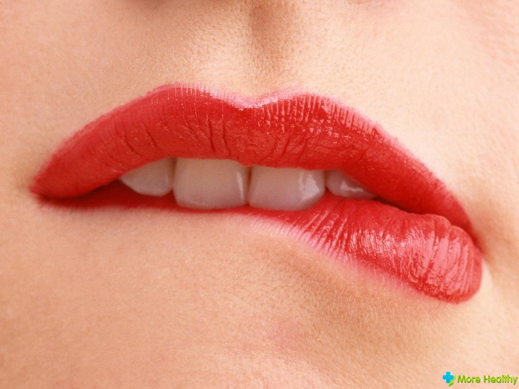 Простуда на губах переходит при оральном сексе