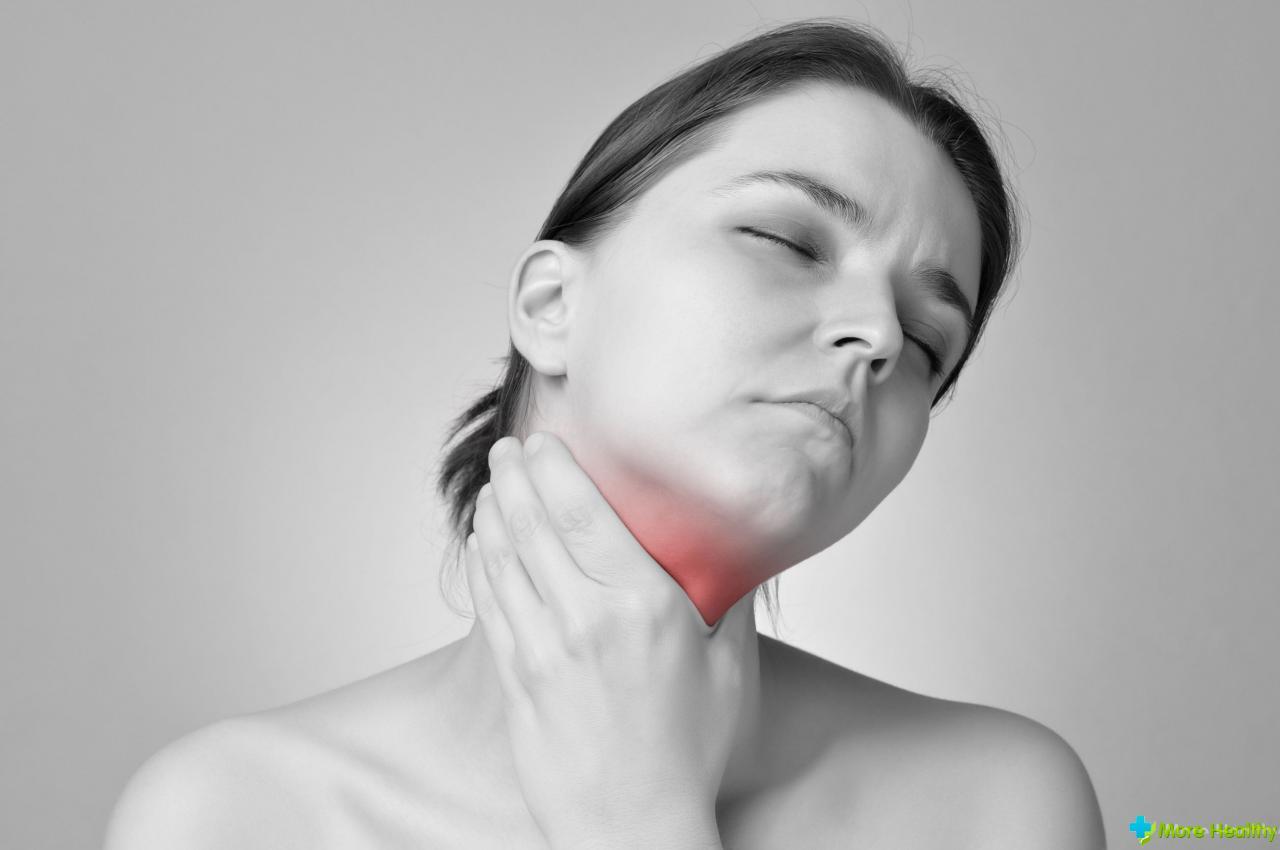 боль в горле в одной точке слева