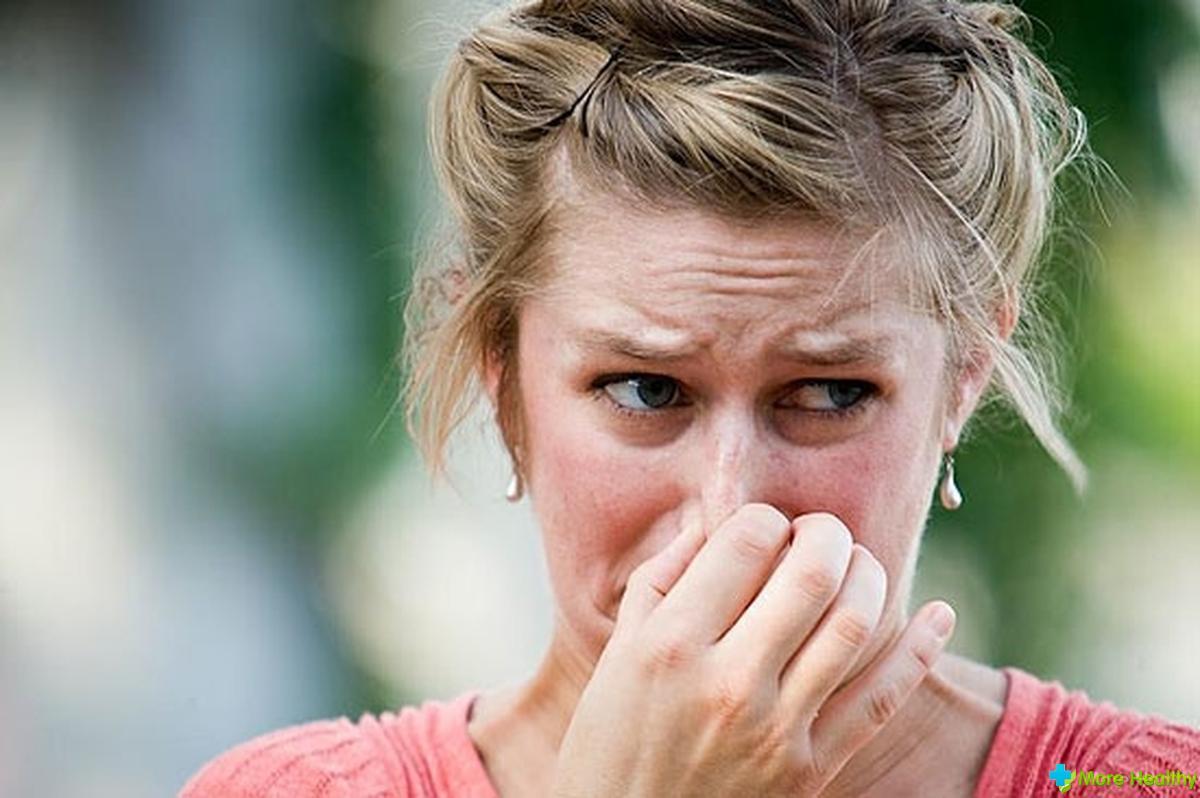 как убрать запах изо рта при тонзиллите
