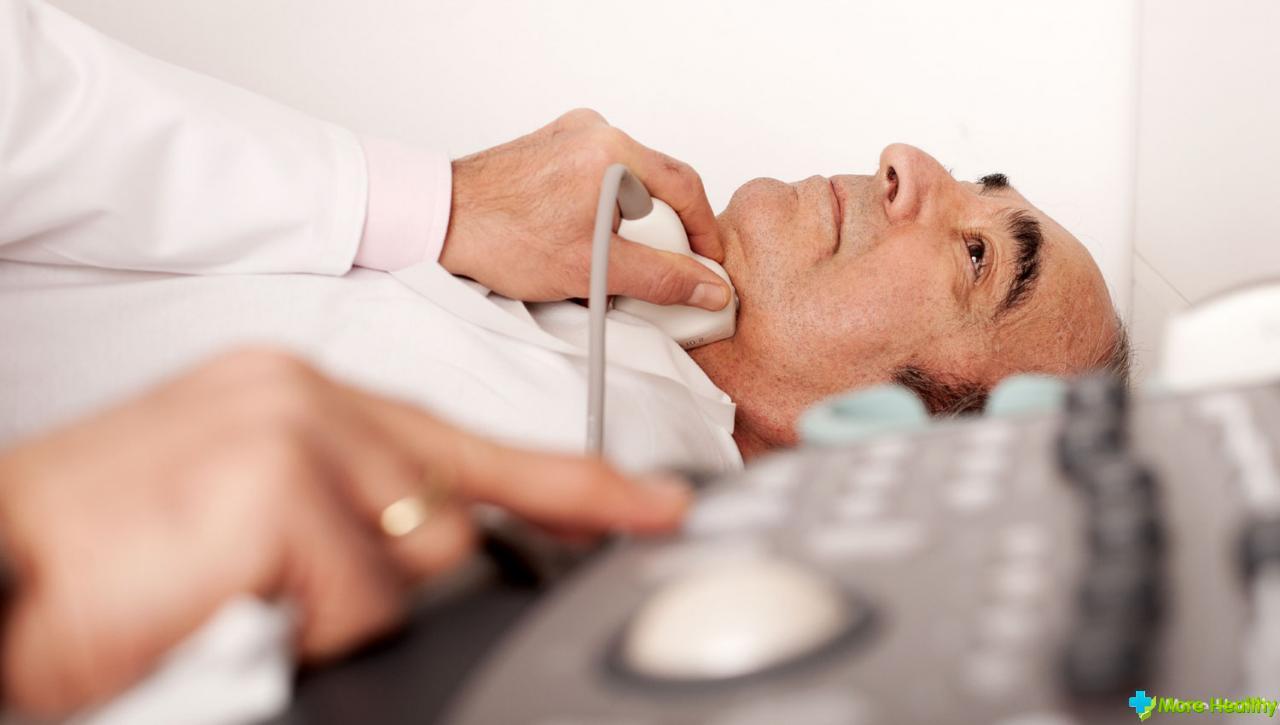 Когда необходима операция при кисте щитовидной железы
