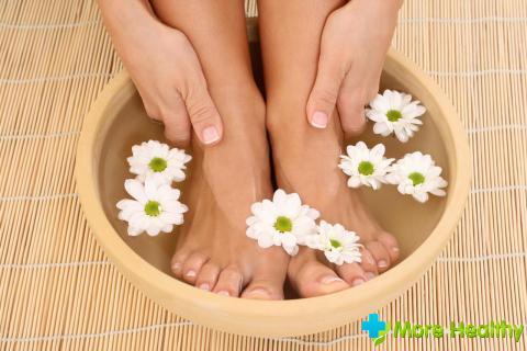 Как правильно парить ноги при простуде