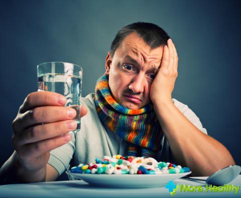 больной отказывается принимать пищу: