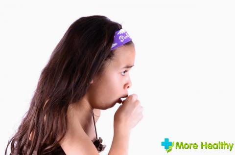 Безошибочно установить причину угнетающего сухого детского кашля сможет только к