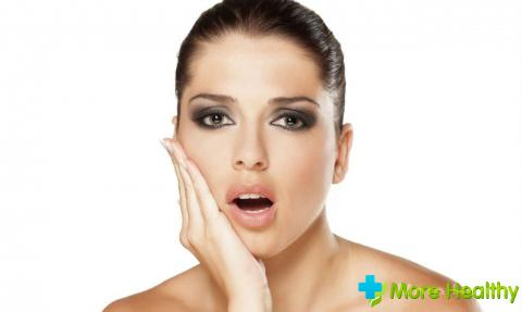 Наиболее частым осложнением при пломбировании гуттаперчей в стоматологии являетс