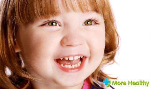 Сколько молочных зубов у малыша