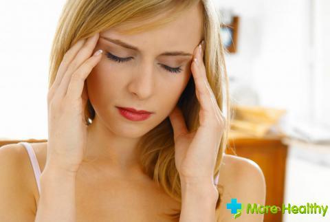 Что делать, если разыгралась головная боль при кормлении грудью?